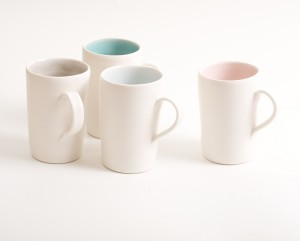 mug-porcelain-handmade-ceramic-tableware-tea-coffee- pink- grey- turquoise- blue- knitted -cosy- tea cos