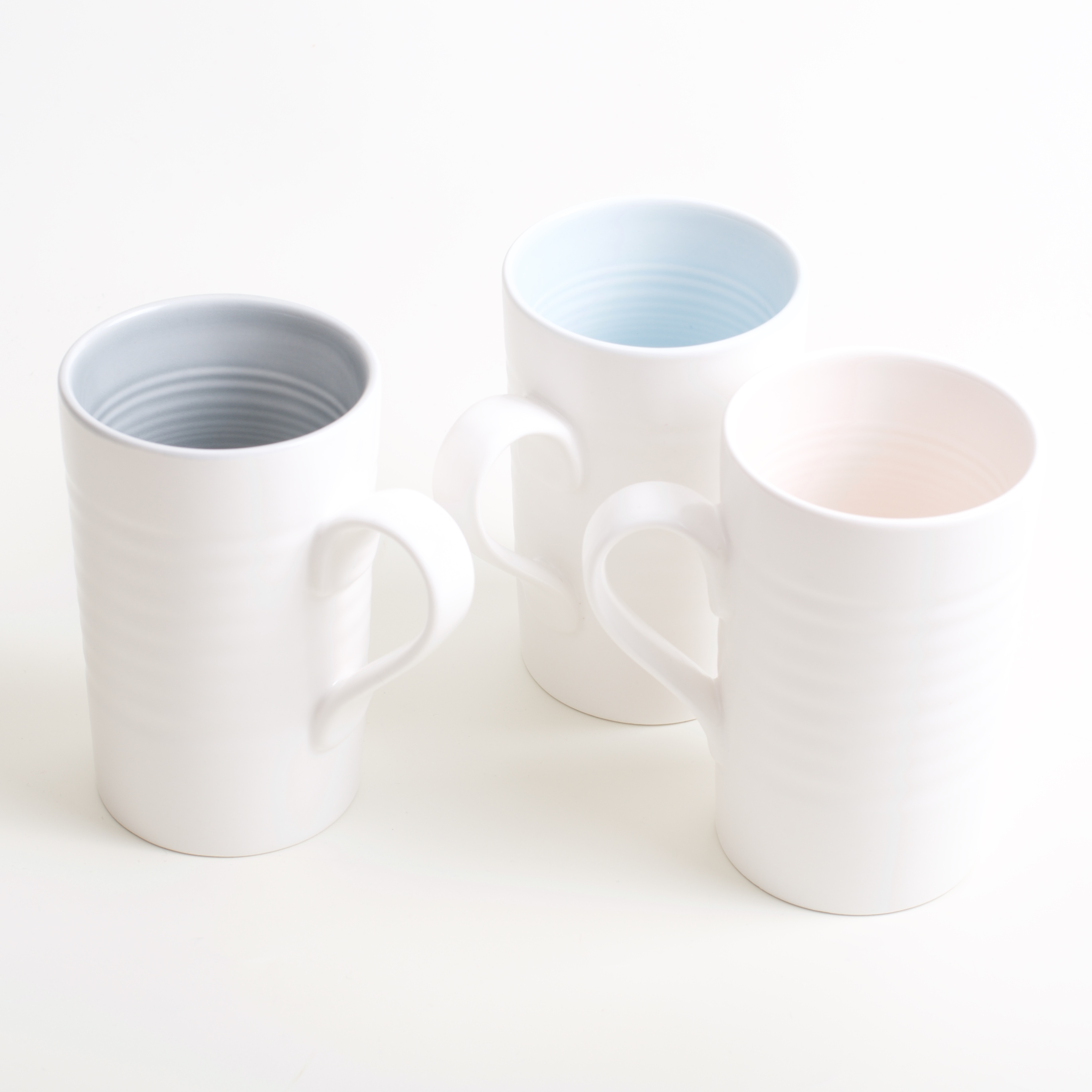 Tactile porcelain mugs