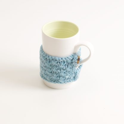 porcelain tableware- made in china- citrine mug- linda bloomfield- porcelain designer- tableware designer- ruth cross- knitted cosy- mug cosy
