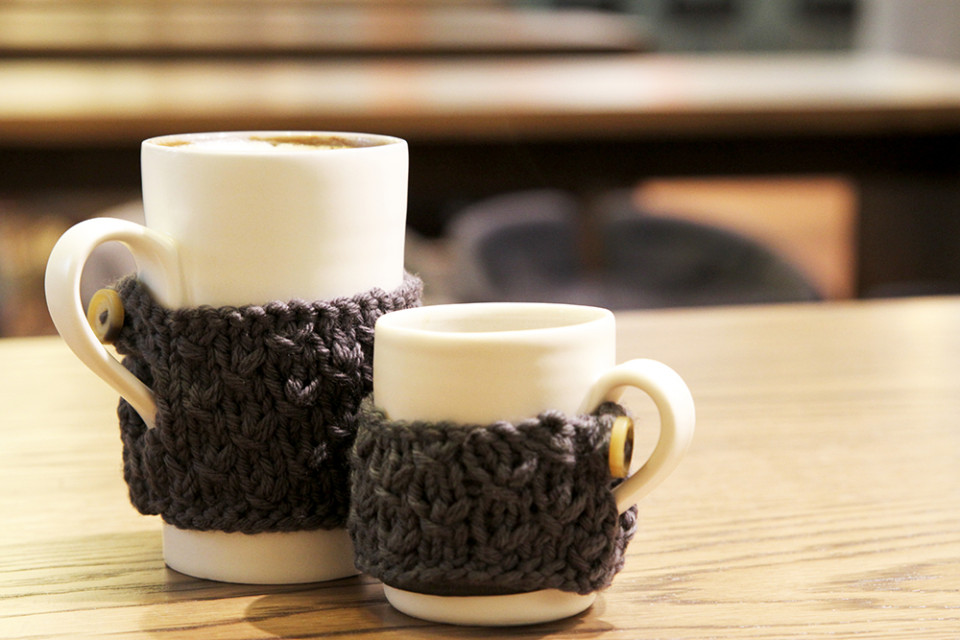 handmade porcelain mugs- knitted cosy- mug cosy- ruth cross- linda bloomfield